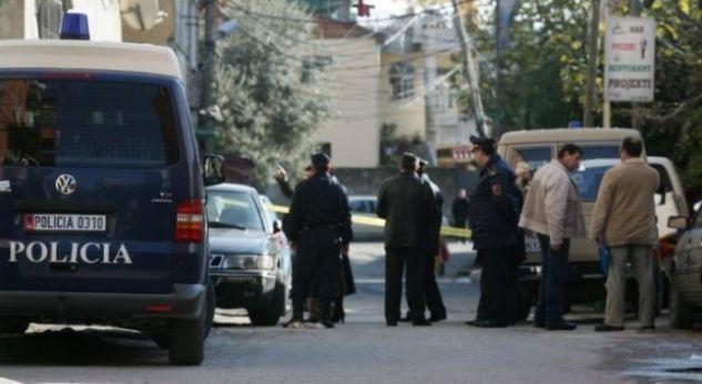 Policia Rreshen Vrasje Dy Te Maskuar Te Armatosur