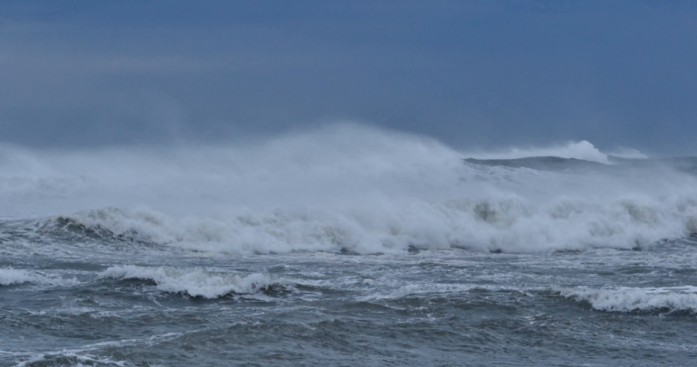 Stormy Seas Big Waves And Rough Ocean From Bad Weather Bjszwrvb F0000 1024x540