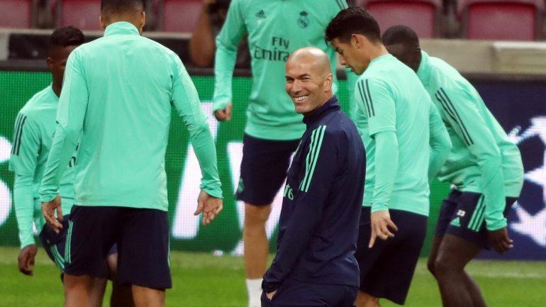 Zinedine Zidane Real Madrid Galatasaray Champions League Futbol 438716918 135874436 1706x960