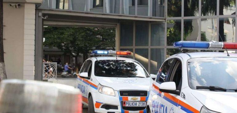 Policia Tiranes6 933x445