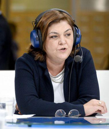 Adina Ioana Valean Romanian Part Citizens' Corner Debate On Farewell To Roaming 30880749225 Cropped 696x822