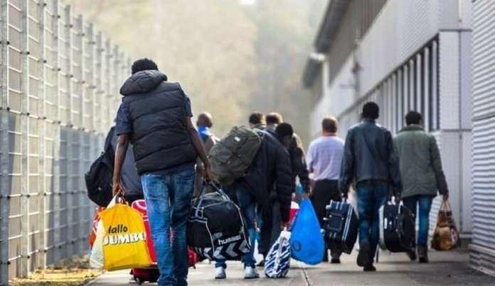 Azilkerkuesit Ne Irlande Shqiptaret Lene Pas Edhe Shtetasit Nga Zimbabve
