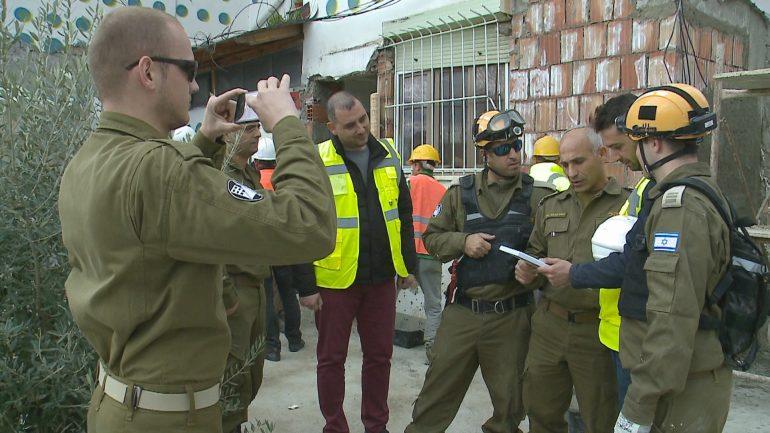 Ekspertet Izraelit Inspektojne Pallatet 1