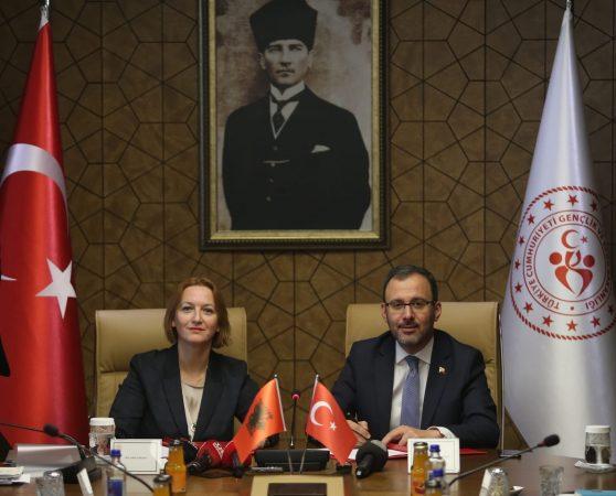 Denaj Turqi (2)