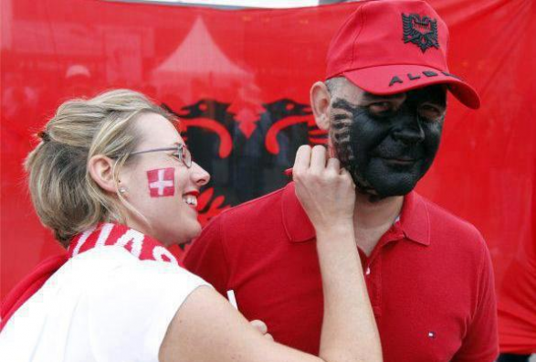 Shqiptare Zvicer