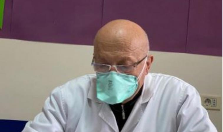 U kthye pas pensionimit në front tek Infektivi, Profesor Dhimitër ...