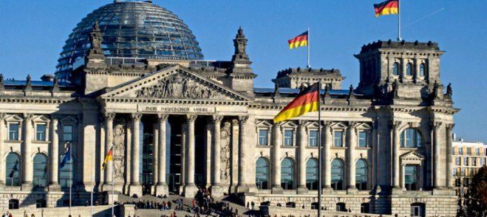Bundestag 696x311