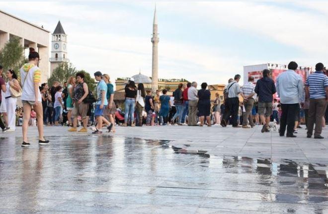 2019年の怠惰な若者の数が最も多いアルバニアとコソボ。教育報告書が ...
