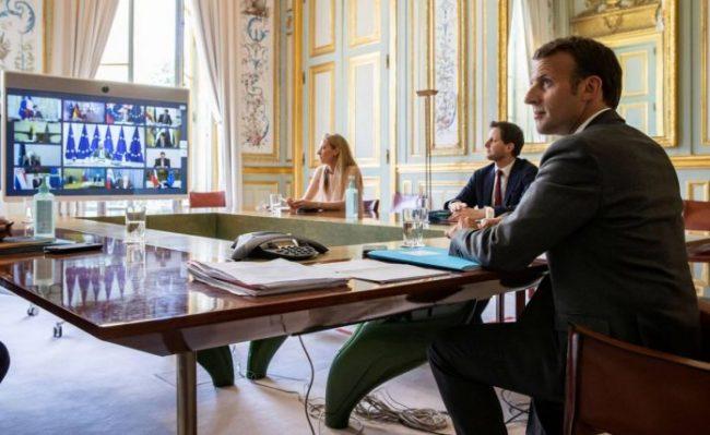 Macron Videokonference 1 696x427