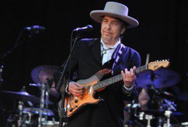 Bob Dylan 696x470