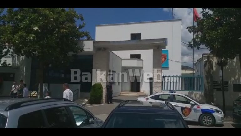 Dera E Komisariatit Te Elbasanit