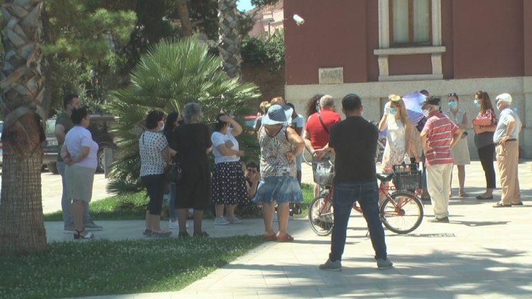 Durres Protesta Per Pallatin