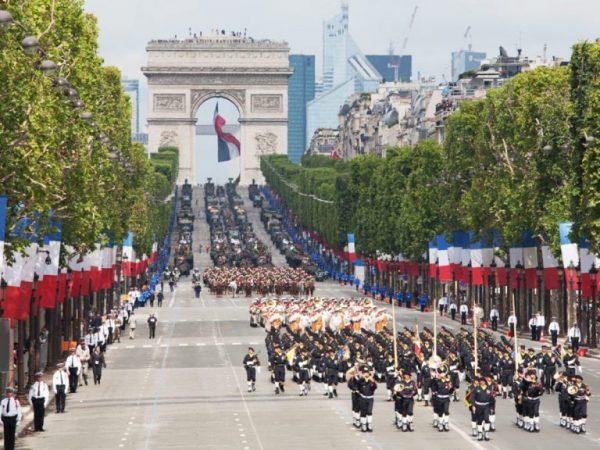 La Parata Militare Del 14 Luglio A Parigi 1200x900 1 768x576