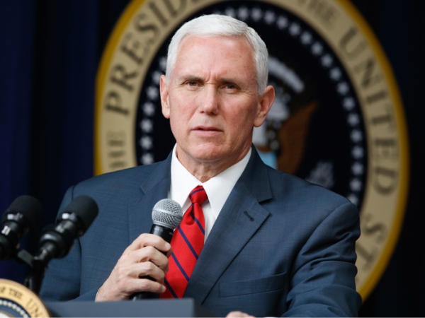 Mike Pence 696x522