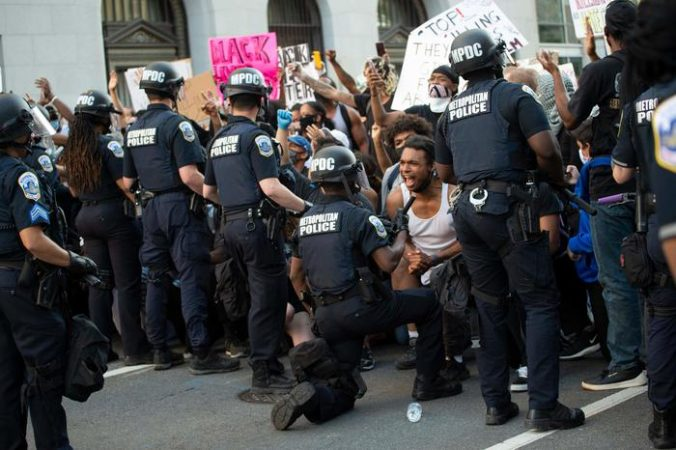 Us Police Race Unrest Demonstration Minorities Politics