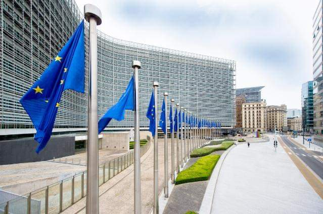 Raporti i KE mbi funksionimin e regjimit pa viza  Balla  Shqipëria përparim drejt kërkesave nga raporti i dytë