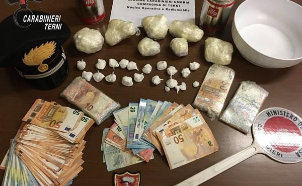 Shpërndanin kokainë në sheshin kryesor të Ternit  arrestohen 5 shqiptarë në Itali
