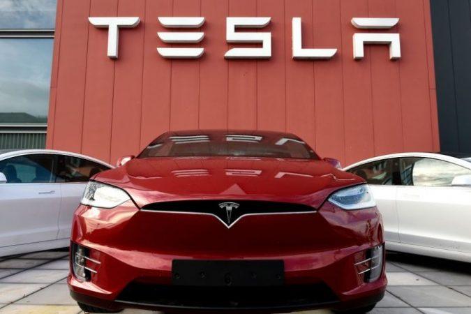 Tesla 696x464