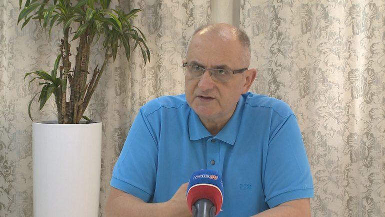 Vasili Per Opoziten
