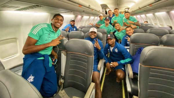 Flamengo Foto Aviao Sem Mascaras Pandemia 25 09 2020 408k1wkdtjm316i6fxfy99x6i