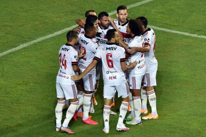 O Flamengo Tem 16 Jogadores Infectados Com O Novo Coronavirus