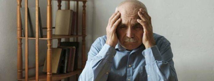 Anziano Dimentica Badante 845x321 1 696x264