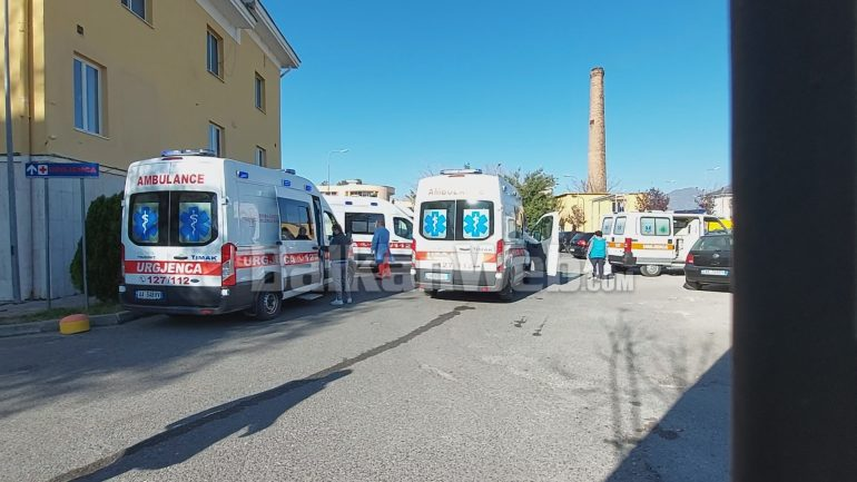 Ambulancat Para Shefqet Ndroqit