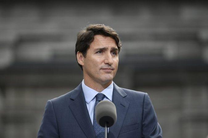 Justin Trudeau 696x464