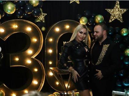 Biznesmeni Fisnik Syla feston ditëlindjen, festa gjigande dhe urimi i Fjolla Morinës: Lutem që jeta jonë... (VIDEO) - Balkanweb.com - News24