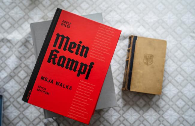 poloni-publikohet-mein-kampf-si-homazh-per-viktimat