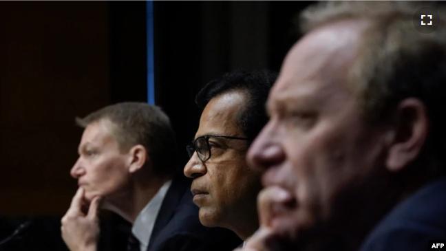 Nga E Majta, Drejtori I Kompanisë Fireeye, Kevin Mandia; Drejtori I Kompanisë Solarwinds, Sudhakar Ramakrishna; Dhe Presidenti I Kompanisë Microsoft, Brad Smith Gjatë Dëshmisë Në Senat
