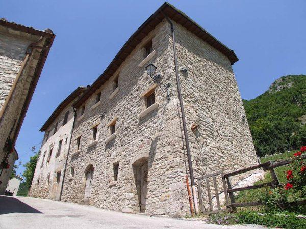Villa Da Piedi Bolognola 01