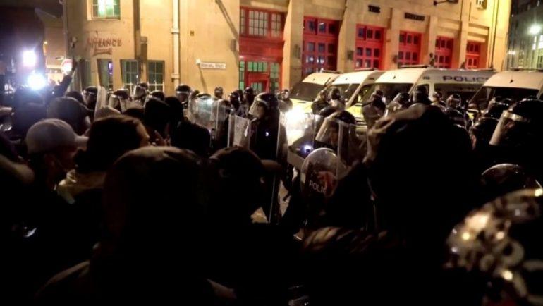 Auto Dhuna Ne Proteste1616869518