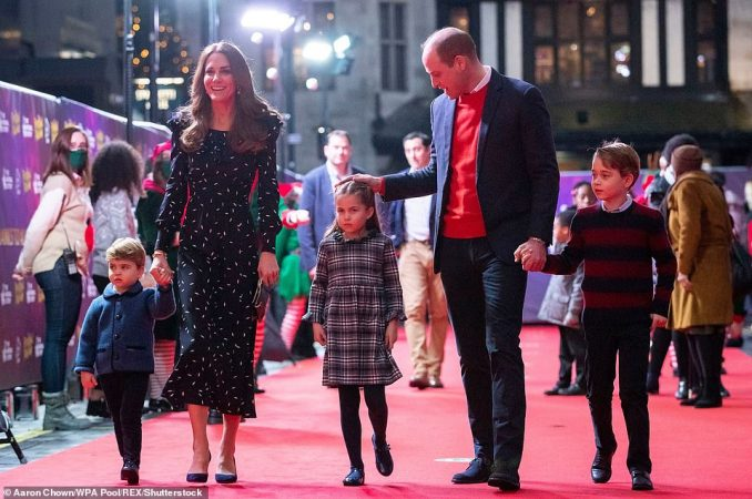 42097846 9501619 The Duke And Duchess Of Cambridge With Their Children Prince Lou A 15 1619158703844