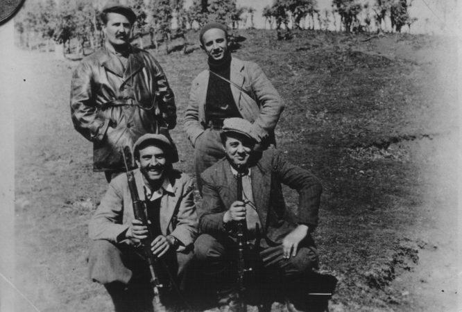 Miladin Popović I Dušan Mugoša Sa Albanskim Rukovodiocima