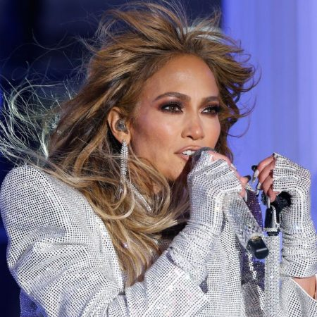Jennifer Lopez Performs In Times Square On New Years Eve On News Photo 1611004811
