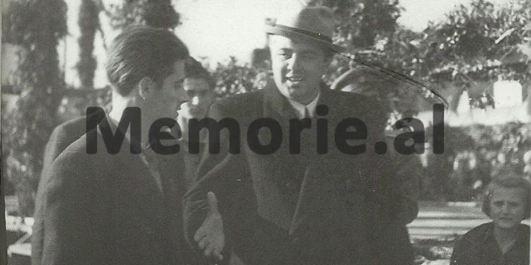 Enver Hoxha Gjate Nje Takimi Ne Durres. 1947 750x375