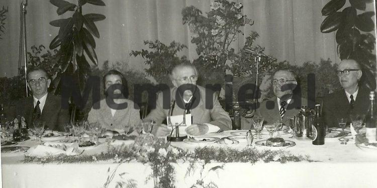 H Kapo N Hoxha E Hoxha M Shehu M Lako Gjate Nje Banketi Te Hotel Dajti. 1978 750x375