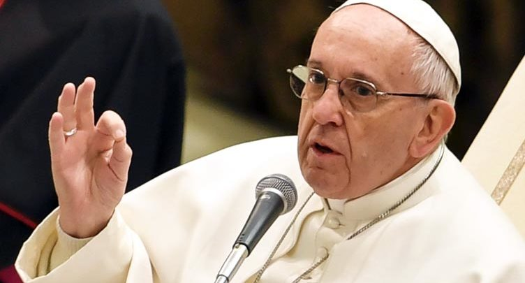 Papa Francesku 752x405