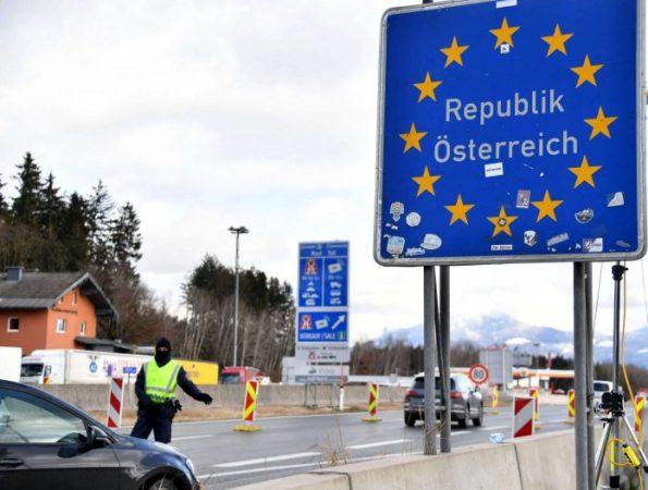 Austria Border Controls 696x526