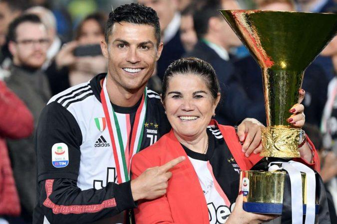 Cristiano Ronaldo Mother Dolores Aveiro 2019 13lb9w0krtcsg1c1gv6un619d1