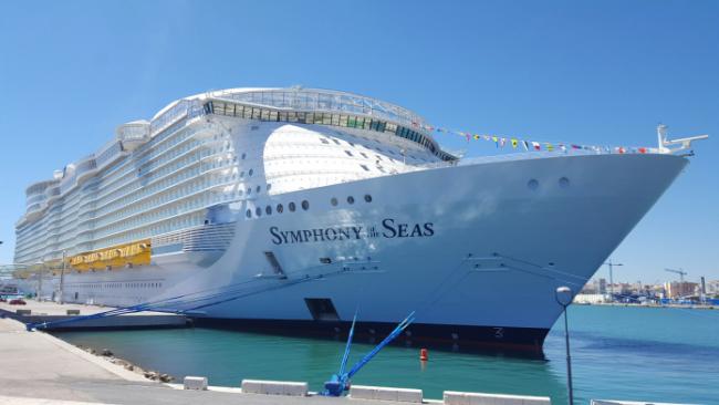 Symphony Of The Seas Royal 696x392