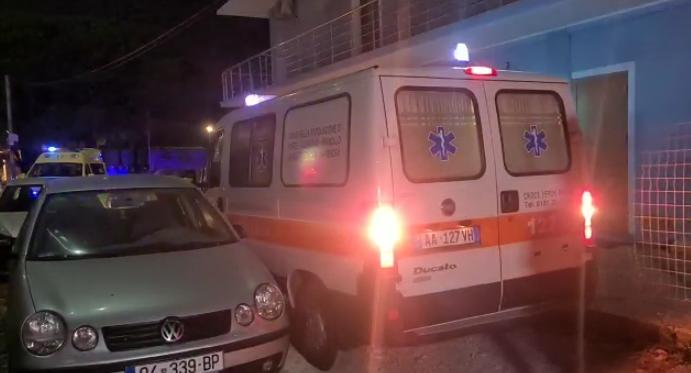 EMRAT/ Përplasje me armë pas mesnate në Velipojë, 4 të vrarë, mes tyre 2  vëllezër. Të plagosur dhe 2 të tjerë, ja çfarë thotë Policia -  Balkanweb.com - News24