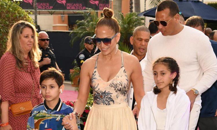 Jennifer Lopez Family Day At The Races