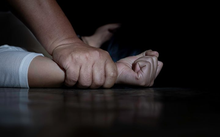 Close,up,of,man,hands,holding,a,woman,hands,for