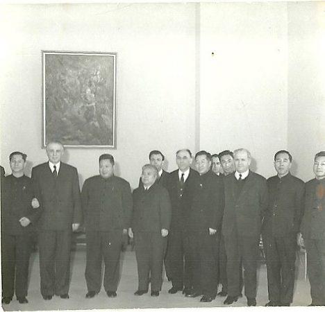 E Hoxha A Kellezi K Ngjela Se Bashku Me Nje Delegacion Ekonomik Kinez Te Kryesuar Nga Fan Ji. 1971 1