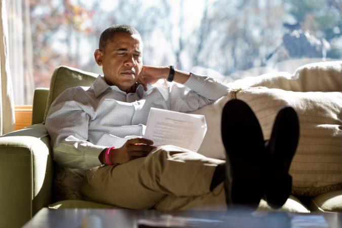 Obama Reading 1565887854