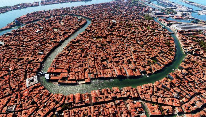 Venezia 2 696x397