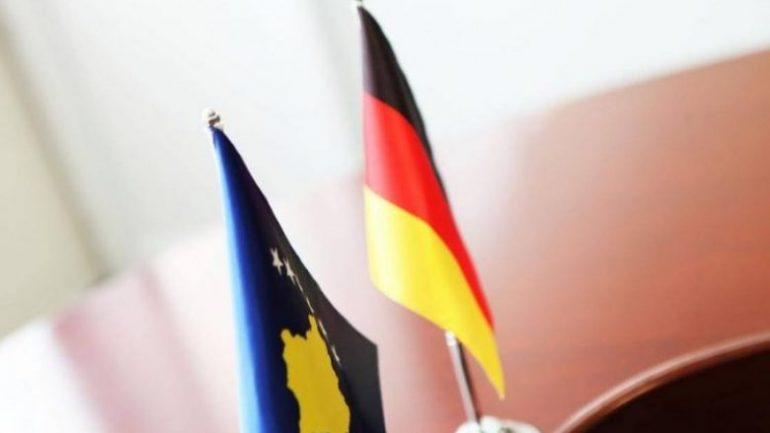 Auto 13 04 2017 925908 Gjermania Dhe Kosova Flamuri Gjerman Dhe Kosovar15263580821526358115 750x450 1 780x439